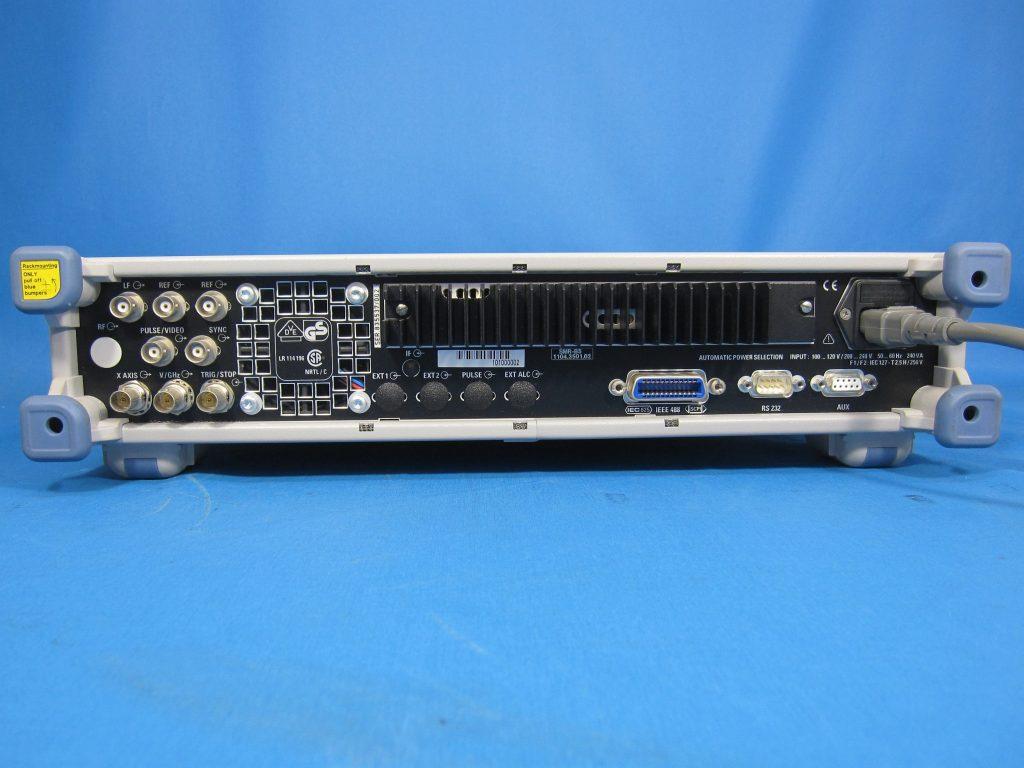 標準信号発生器 SMR40/B5